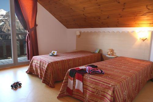 Location au ski Appartement 3 pièces 6 personnes - Les Chalets Puy Saint Vincent - Puy-Saint-Vincent - Lit simple