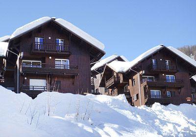 Location au ski Les Chalets Puy Saint Vincent - Puy-Saint-Vincent - Extérieur hiver