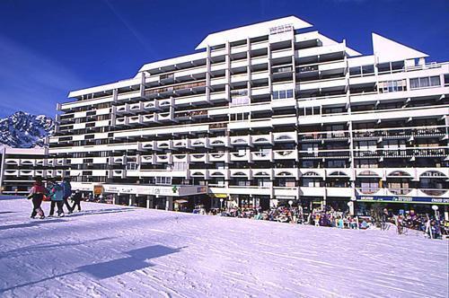 Location au ski Residences Puy St Vincent 1600 - Puy-Saint-Vincent - Extérieur hiver