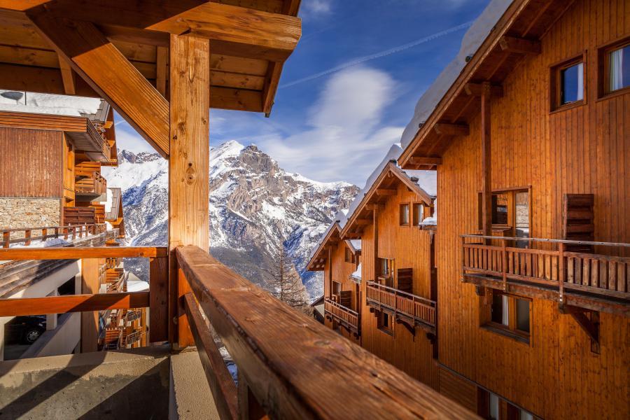 Vacaciones en montaña La Résidence Hameau des Ecrins - Puy-Saint-Vincent - Invierno