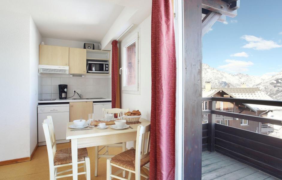 Location au ski Les Chalets Puy Saint Vincent - Puy-Saint-Vincent - Kitchenette