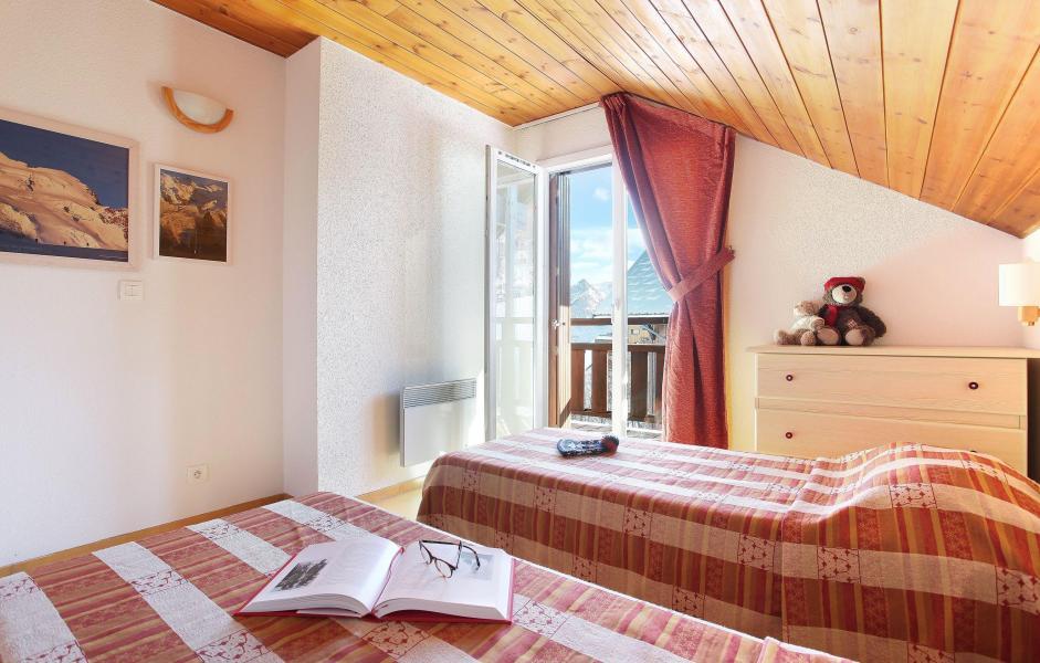 Location au ski Les Chalets Puy Saint Vincent - Puy-Saint-Vincent - Lit simple