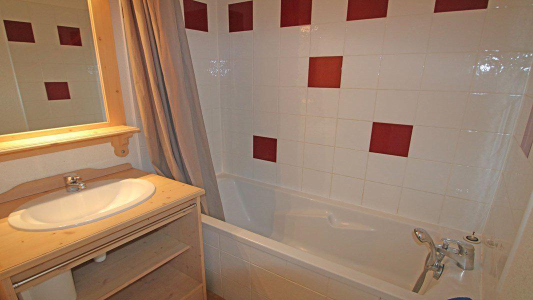 Location au ski Appartement 2 pièces 4 personnes (C27) - Résidence Gentianes - Puy-Saint-Vincent - Baignoire