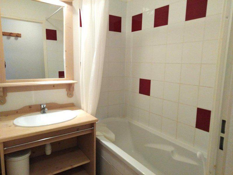 Location au ski Appartement 3 pièces 6 personnes (A42) - Résidence Gentianes - Puy-Saint-Vincent - Baignoire