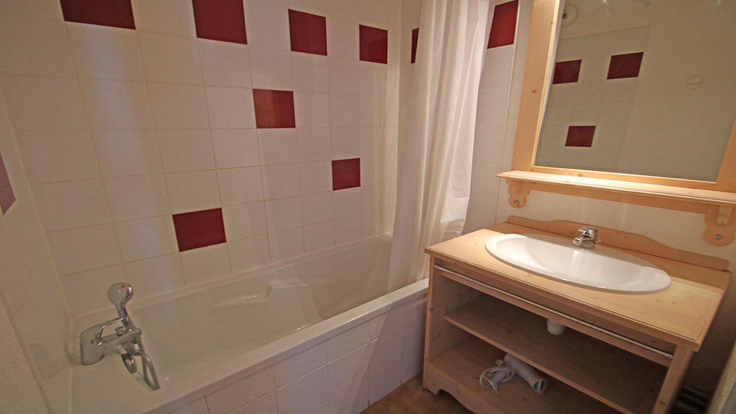 Location au ski Appartement 3 pièces 6 personnes (C35) - Résidence Gentianes - Puy-Saint-Vincent - Baignoire
