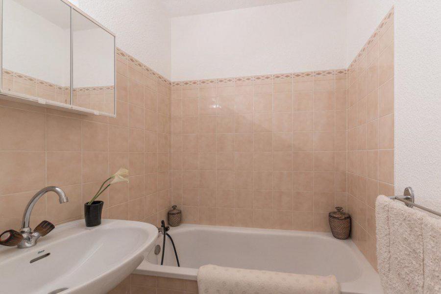 Location au ski Appartement 2 pièces 5 personnes (311) - Résidence l'Orée du Bois - Puy-Saint-Vincent - Baignoire