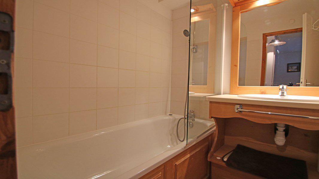 Location au ski Appartement 3 pièces 6 personnes (122) - Résidence La Dame Blanche - Puy-Saint-Vincent - Baignoire