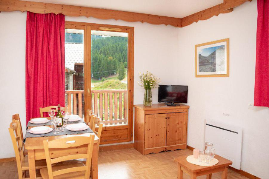 Location au ski Résidence Les Gentianes - Puy-Saint-Vincent - Appartement