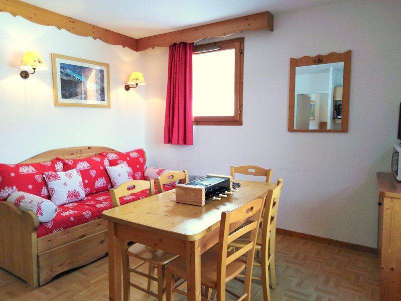 Location au ski Appartement 3 pièces 6 personnes (A42) - Résidence Les Gentianes - Puy-Saint-Vincent - Canapé-lit