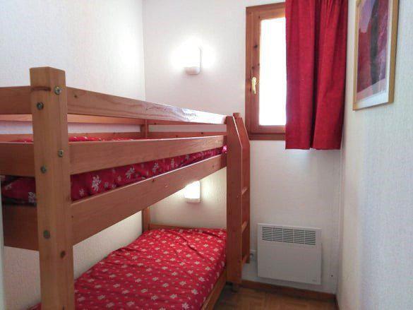 Location au ski Appartement 3 pièces 6 personnes (A42) - Résidence Les Gentianes - Puy-Saint-Vincent - Lits superposés