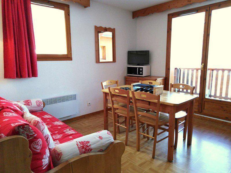Location au ski Appartement 3 pièces 6 personnes (A42) - Résidence Les Gentianes - Puy-Saint-Vincent - Table