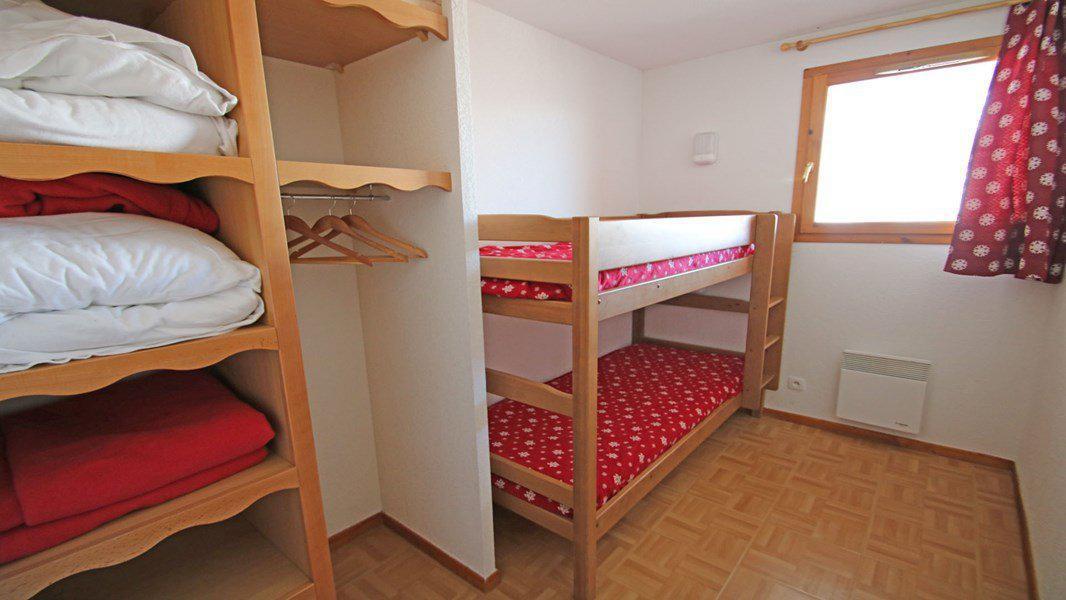 Location au ski Appartement 3 pièces 6 personnes (C35) - Résidence Les Gentianes - Puy-Saint-Vincent - Lits superposés