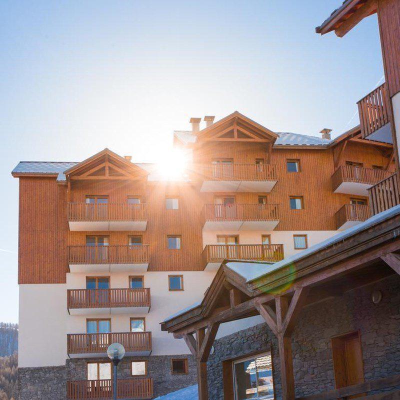 Location au ski Appartement 3 pièces 6 personnes (A42) - Résidence Les Gentianes - Puy-Saint-Vincent - Piscine