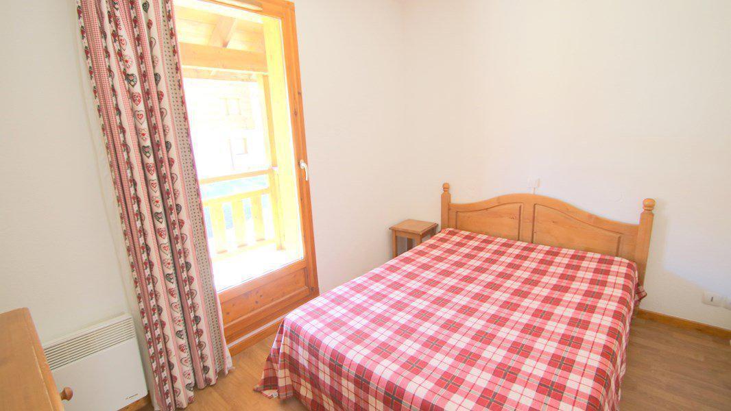 Rent in ski resort 3 room duplex apartment 7 people (CH20) - Résidence Parc aux Etoiles - Puy-Saint-Vincent - Double bed