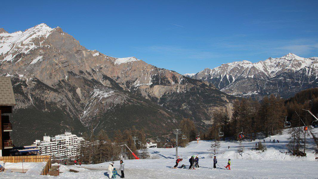 Location au ski Appartement 3 pièces 6 personnes (A102) - Résidence Parc aux Etoiles - Puy-Saint-Vincent - Extérieur hiver