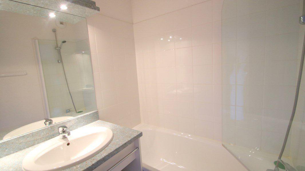 Location au ski Appartement 2 pièces 4 personnes (A203) - Résidence Parc aux Etoiles - Puy-Saint-Vincent - Baignoire