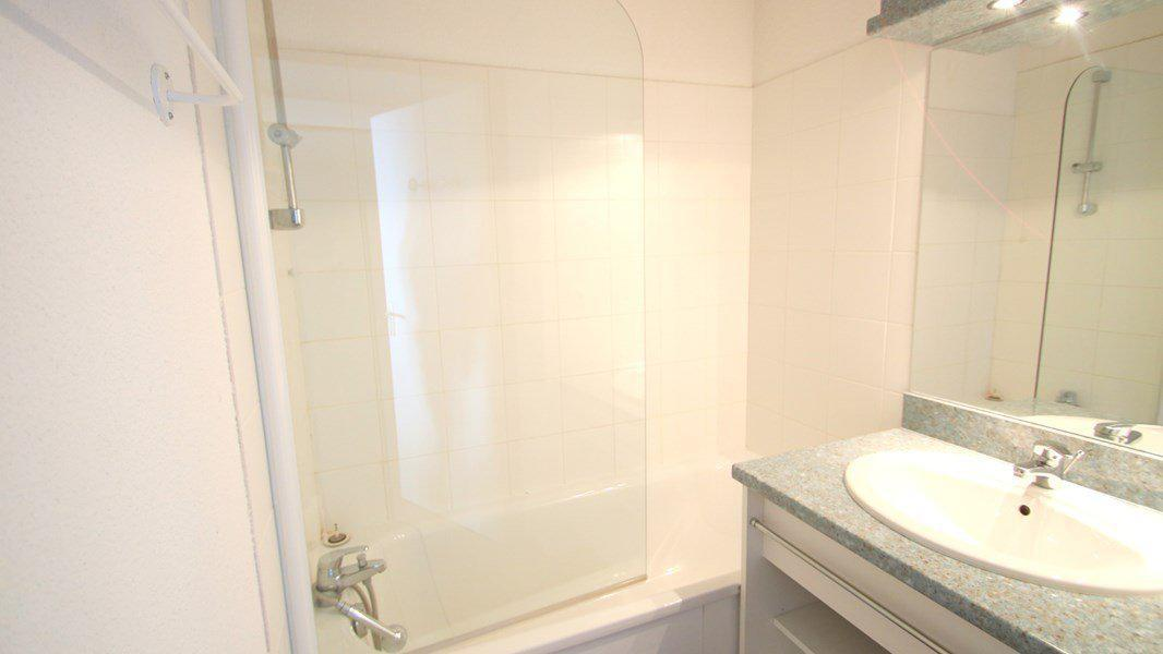 Location au ski Appartement 2 pièces 4 personnes (C212) - Résidence Parc aux Etoiles - Puy-Saint-Vincent - Baignoire