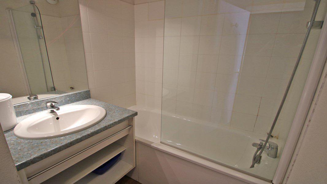 Location au ski Appartement 3 pièces 6 personnes (A008) - Résidence Parc aux Etoiles - Puy-Saint-Vincent - Baignoire