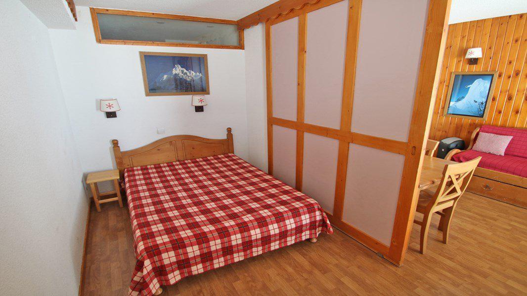 Location au ski Appartement 3 pièces 6 personnes (A008) - Résidence Parc aux Etoiles - Puy-Saint-Vincent - Canapé