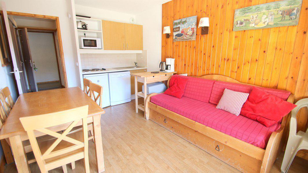 Location au ski Appartement 3 pièces 6 personnes (A010) - Résidence Parc aux Etoiles - Puy-Saint-Vincent - Canapé-lit