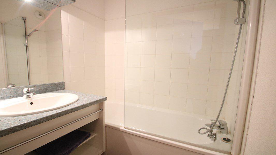 Location au ski Appartement 3 pièces 6 personnes (A108) - Résidence Parc aux Etoiles - Puy-Saint-Vincent - Salle de bains