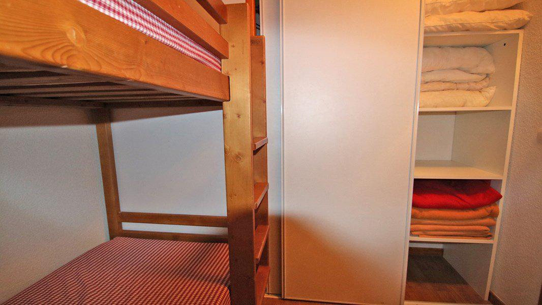 Location au ski Appartement 3 pièces 6 personnes (A109) - Résidence Parc aux Etoiles - Puy-Saint-Vincent - Banquette-lit
