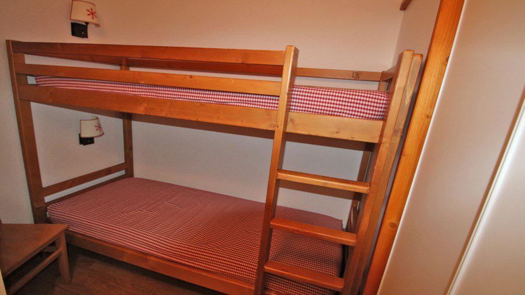 Location au ski Appartement 3 pièces 6 personnes (A109) - Résidence Parc aux Etoiles - Puy-Saint-Vincent - Canapé-lit