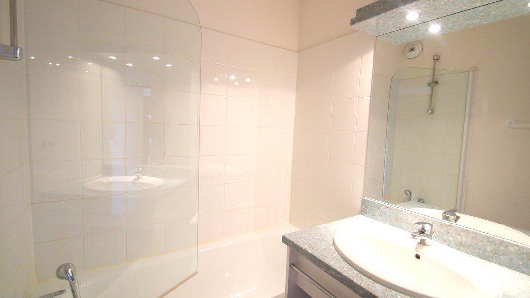 Location au ski Appartement 3 pièces 6 personnes (A201) - Résidence Parc aux Etoiles - Puy-Saint-Vincent - Baignoire