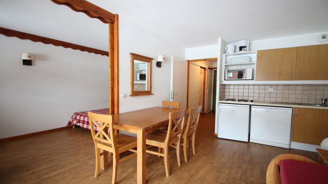 Location au ski Appartement 3 pièces 6 personnes (C103) - Résidence Parc aux Etoiles - Puy-Saint-Vincent - Canapé-gigogne