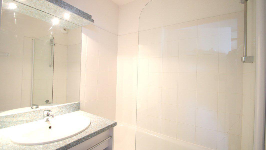 Location au ski Appartement 3 pièces 6 personnes (C213) - Résidence Parc aux Etoiles - Puy-Saint-Vincent - Baignoire