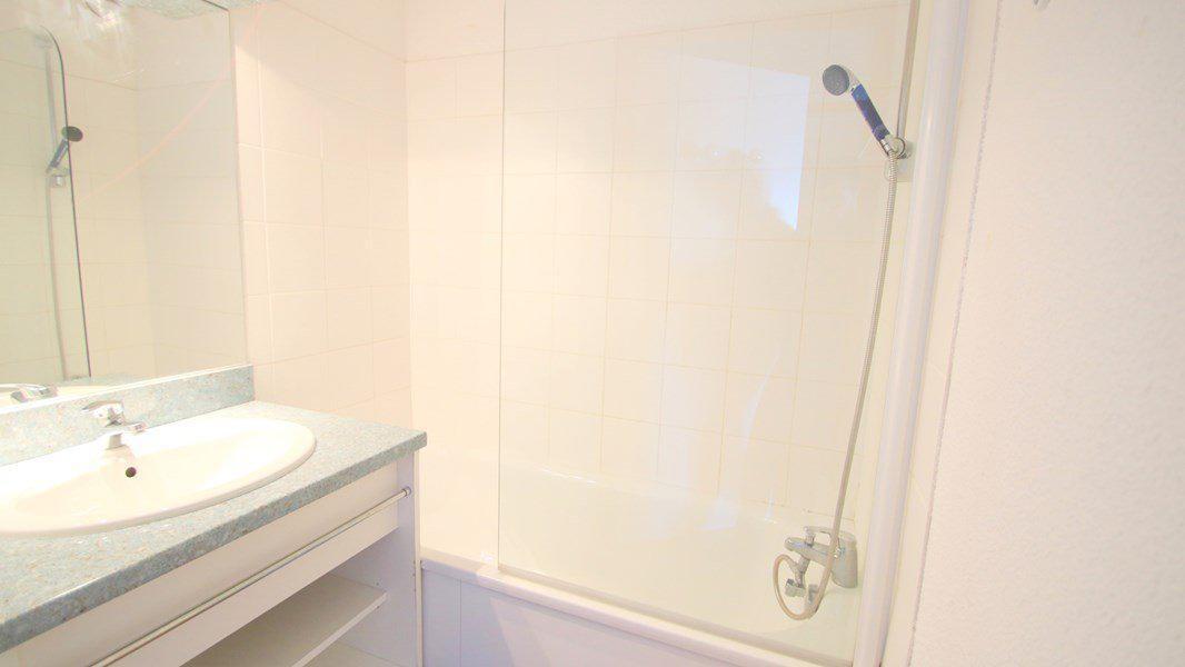 Location au ski Appartement 3 pièces 6 personnes (C302) - Résidence Parc aux Etoiles - Puy-Saint-Vincent - Baignoire