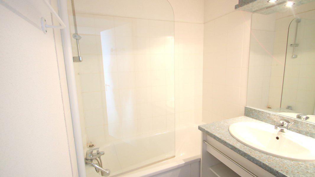 Location au ski Appartement 3 pièces 6 personnes (C305) - Résidence Parc aux Etoiles - Puy-Saint-Vincent - Baignoire