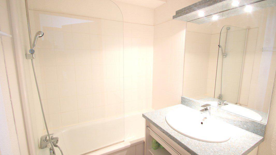 Location au ski Appartement 4 pièces 7 personnes (C306) - Résidence Parc aux Etoiles - Puy-Saint-Vincent - Baignoire