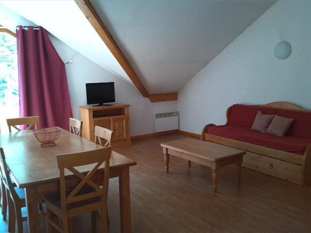 Location au ski Appartement 4 pièces 8 personnes (A301) - Résidence Parc aux Etoiles - Puy-Saint-Vincent - Canapé-lit