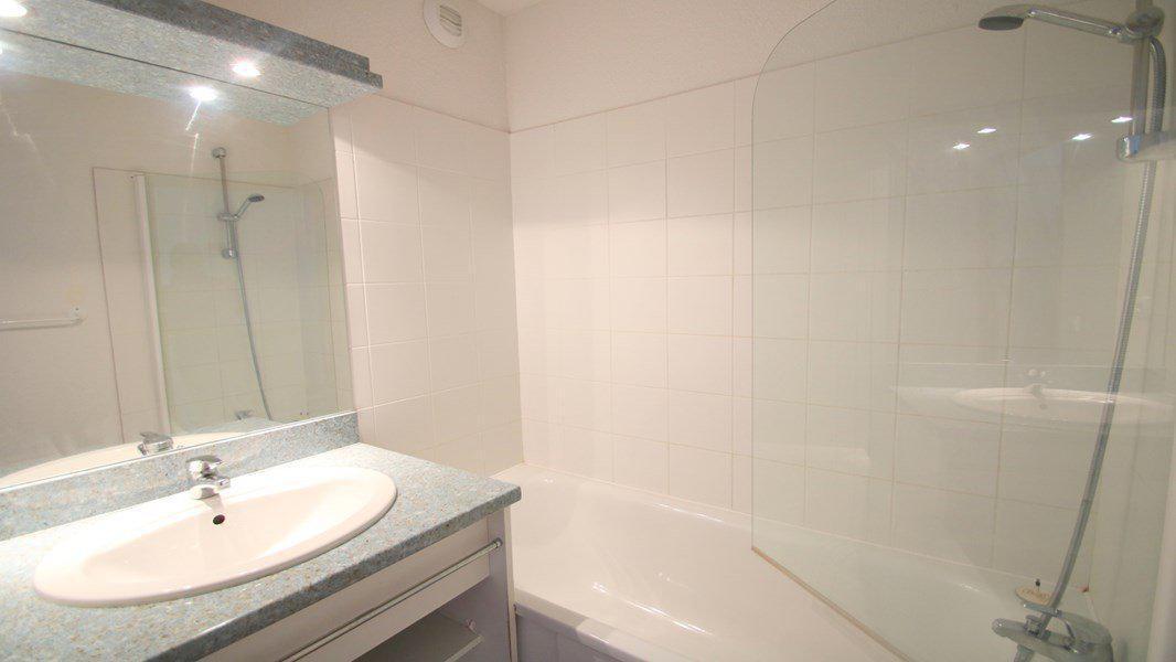 Location au ski Appartement duplex 3 pièces 7 personnes (CH13) - Résidence Parc aux Etoiles - Puy-Saint-Vincent - Baignoire