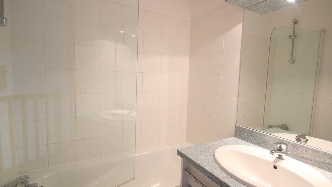 Location au ski Appartement duplex 3 pièces 7 personnes (CH22) - Résidence Parc aux Etoiles - Puy-Saint-Vincent - Salle de bains
