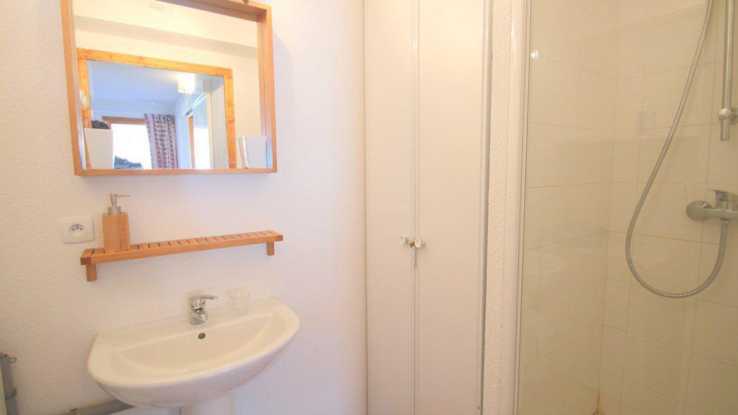 Location au ski Appartement triplex 5 pièces 8 personnes (CH23) - Résidence Parc aux Etoiles - Puy-Saint-Vincent - Salle d'eau