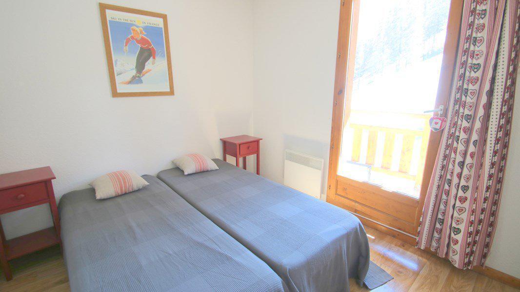 Location au ski Appartement triplex 5 pièces 8 personnes (CH25) - Résidence Parc aux Etoiles - Puy-Saint-Vincent - Chambre