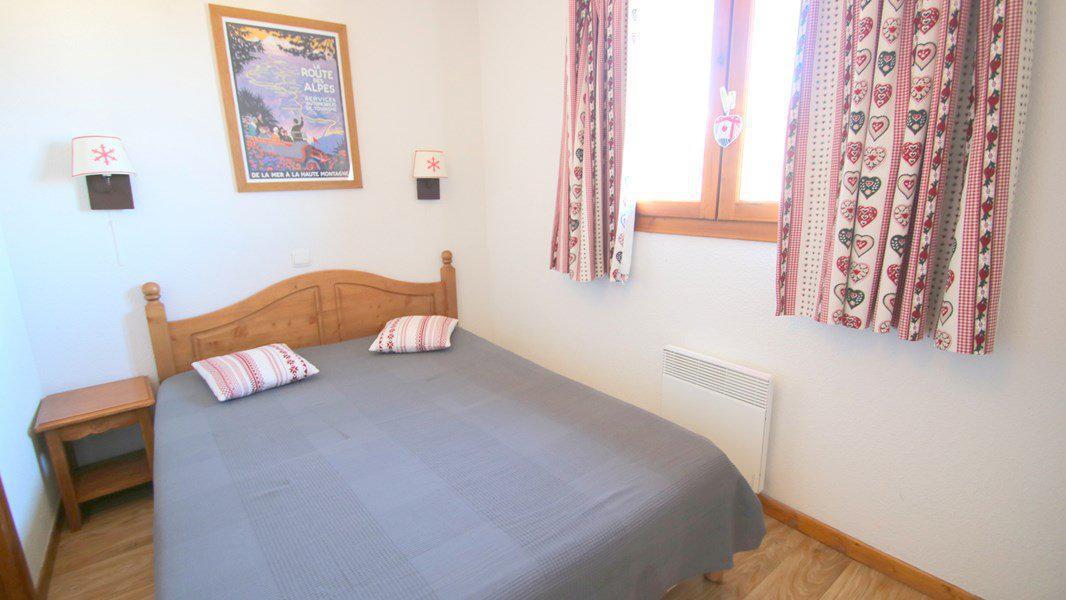 Location au ski Appartement triplex 5 pièces 8 personnes (CH25) - Résidence Parc aux Etoiles - Puy-Saint-Vincent - Lit double