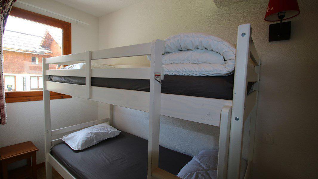 Location au ski Appartement triplex 5 pièces 8 personnes (CH26) - Résidence Parc aux Etoiles - Puy-Saint-Vincent - Baignoire