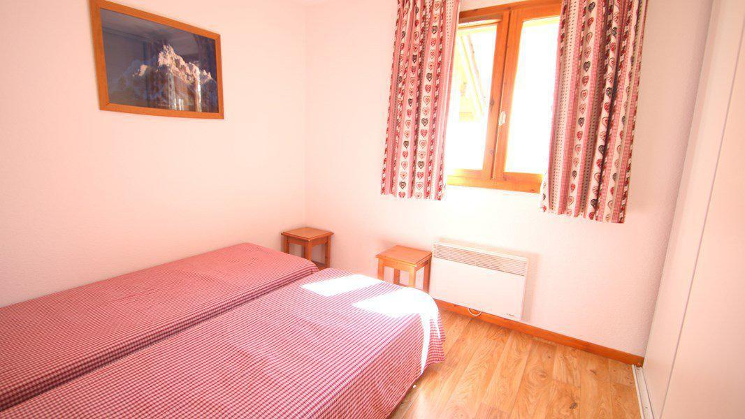 Location au ski Appartement triplex 5 pièces 8 personnes (CH28) - Résidence Parc aux Etoiles - Puy-Saint-Vincent - Chambre
