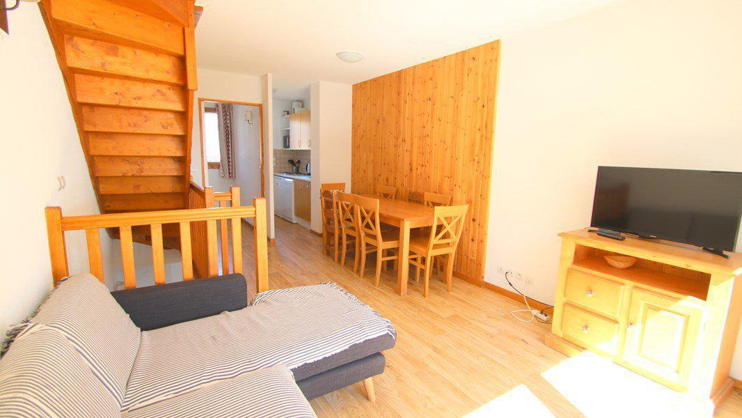 Location au ski Appartement triplex 5 pièces 8 personnes (CH28) - Résidence Parc aux Etoiles - Puy-Saint-Vincent - Table