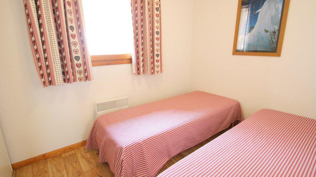 Location au ski Appartement triplex 5 pièces 8 personnes (CH38) - Résidence Parc aux Etoiles - Puy-Saint-Vincent - Chambre