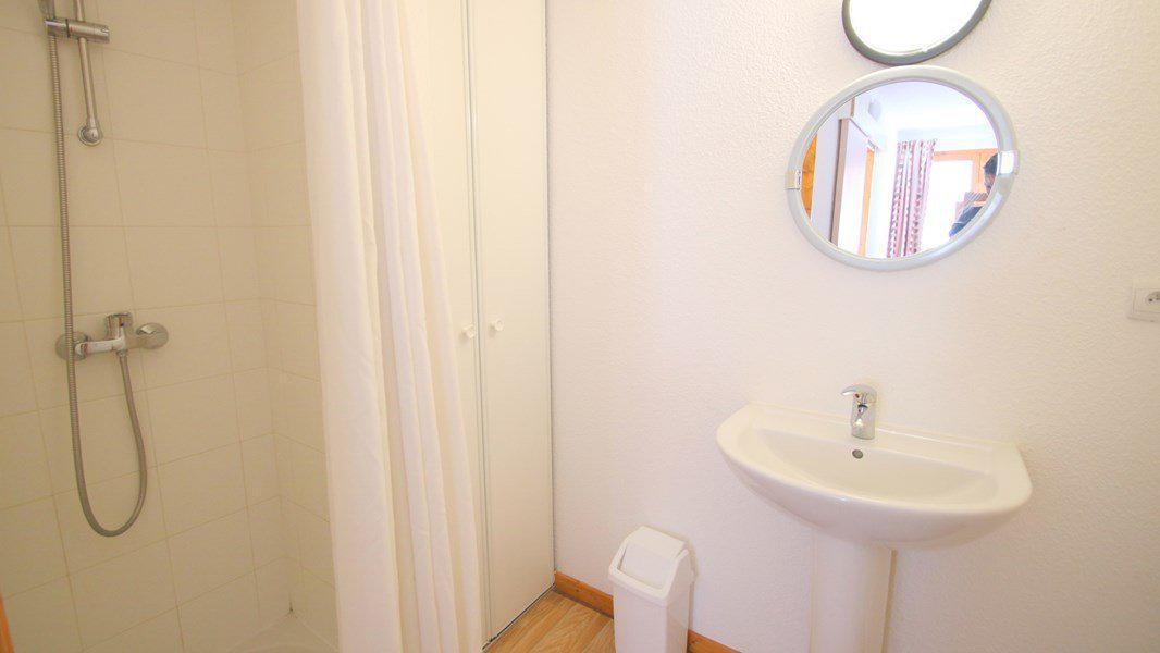 Location au ski Appartement triplex 5 pièces 8 personnes (CH38) - Résidence Parc aux Etoiles - Puy-Saint-Vincent - Douche