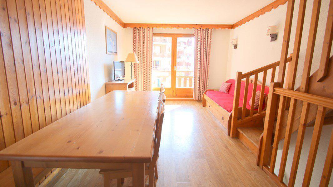 Location au ski Appartement triplex 5 pièces 8 personnes (CH38) - Résidence Parc aux Etoiles - Puy-Saint-Vincent - Table