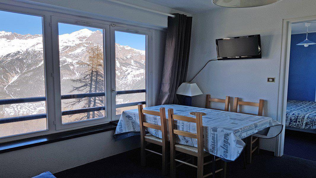 Rent in ski resort 2 room apartment 5 people (302) - Résidence Pendine 2 - Puy-Saint-Vincent - Table