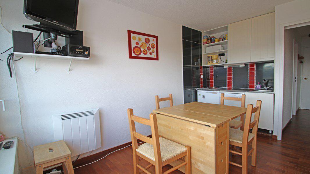 Location au ski Studio coin montagne 4 personnes (405) - Résidence Sapporo - Puy-Saint-Vincent - Table