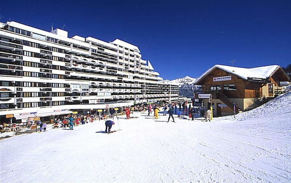 Vacances en montagne Résidences Puy St Vincent 1600 - Puy-Saint-Vincent - Extérieur hiver