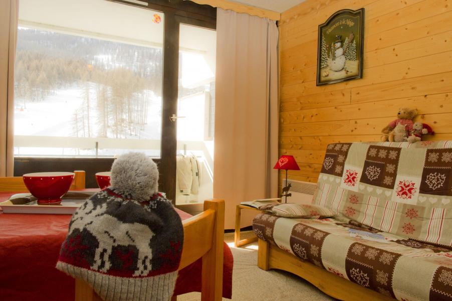 Location au ski Résidences Puy St Vincent 1600 - Puy-Saint-Vincent - Coin séjour