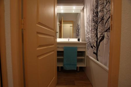 Rent in ski resort 1 room apartment 4 people (A303) - La Résidence le Hameau des Ecrins - Puy-Saint-Vincent - Living room